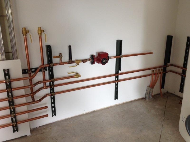 23 12 Work Progresses To The Garage House On Third